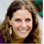 Lauren Hogan headshot